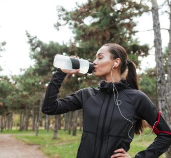 DIY: Maak je eigen sportdrank mét water